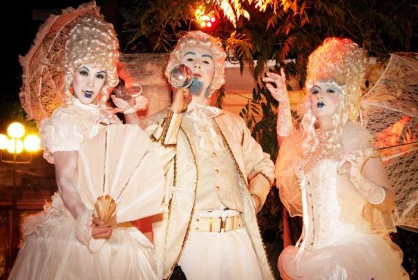 La corte blanca Alquimia Circus Pasacalles