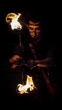 Espectáculo-fuego-malabares